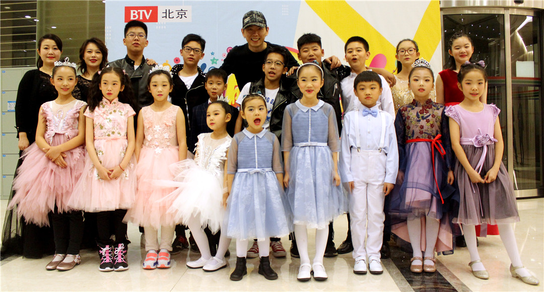 无忌童言——艺佰乐园学员荣登BTV《翩翩少年》舞台之访谈录!