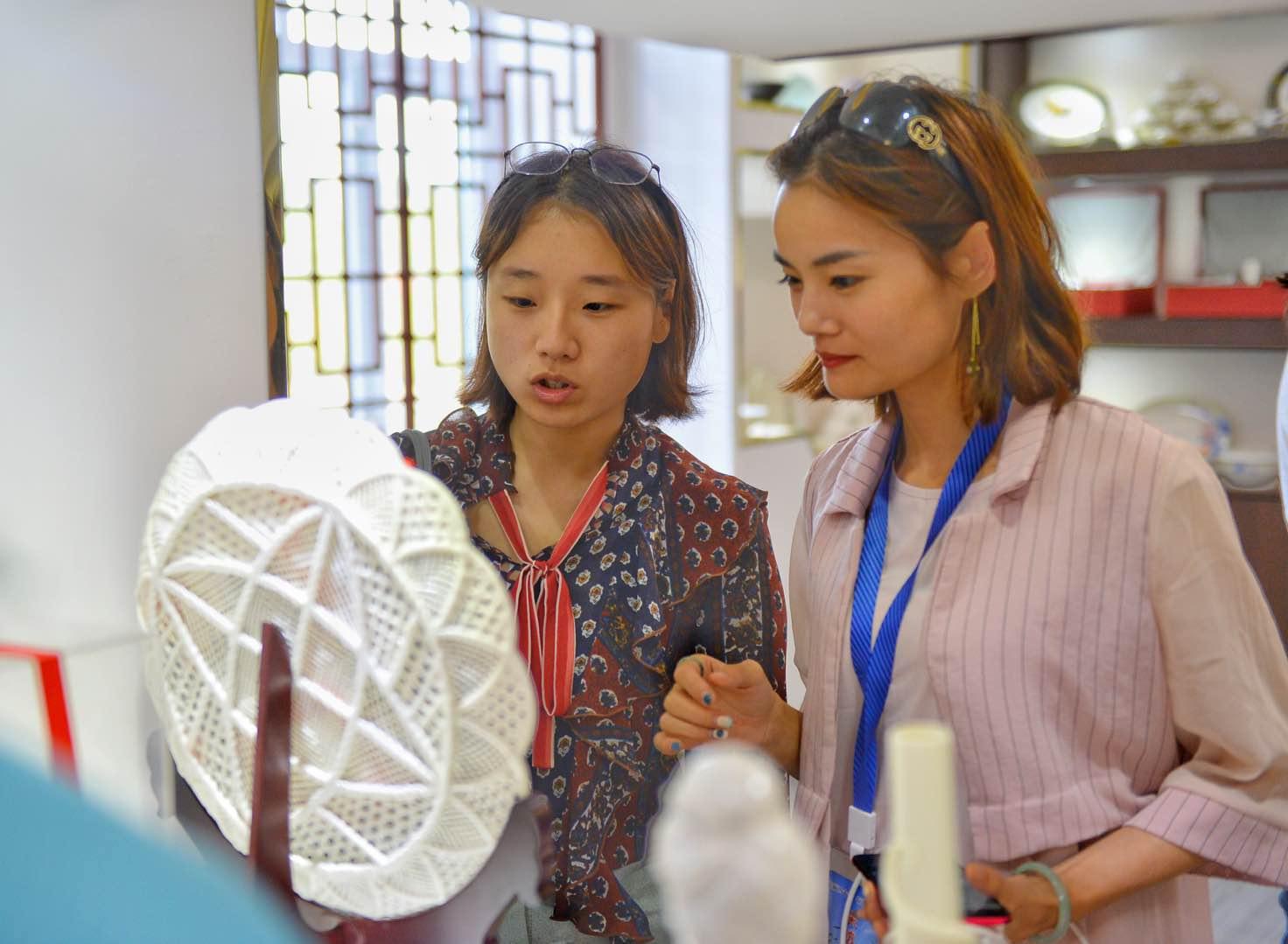 依安:两年内打造10亿级陶瓷产业集群