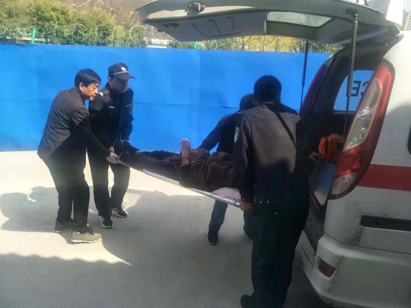 惊险一幕!旅客途中突发不适陕西延安铁警及时救助转危为安