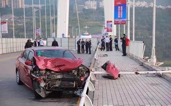 """重庆官方舆情回应不力致""""坠江事件""""舆"""