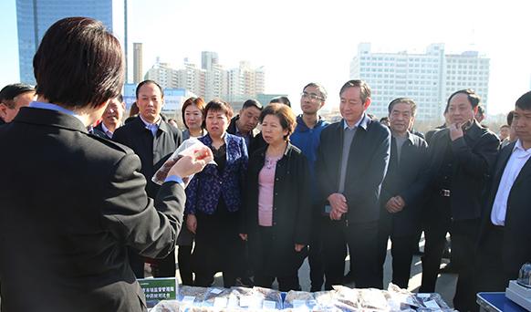 山西运城市3.15消费者权益日活动在南风广场举行