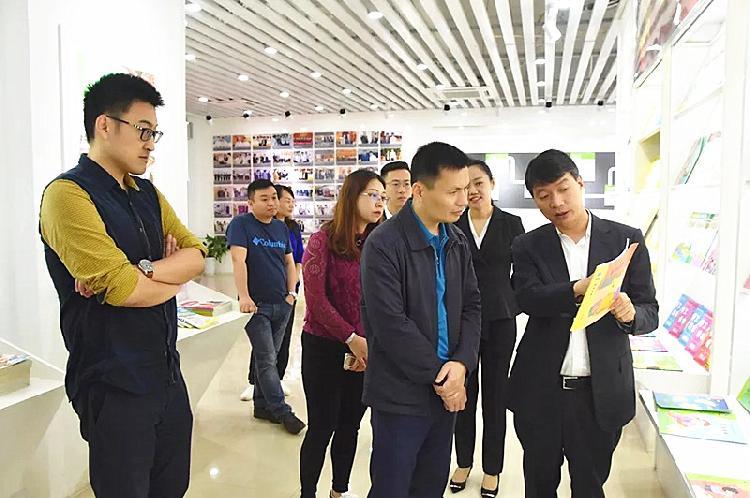 邵福荣率队到访重庆五洲世纪集团洽谈合作