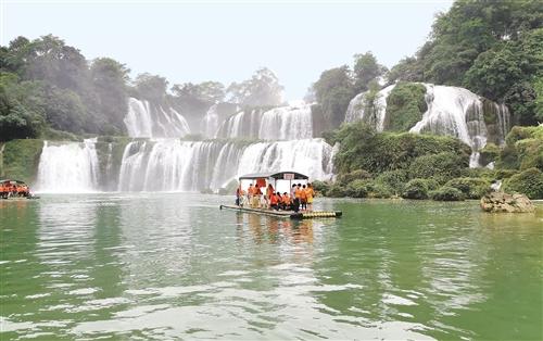 广西旅游业发展:从好山水到好景点