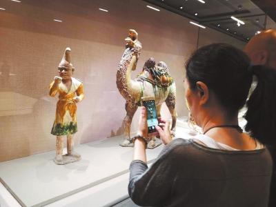 河南珍品文物惊艳亚洲文明展