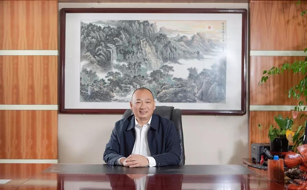 """辞官下海,这个山东汉子闯荡酒业20年,打造""""鲁酒高度"""""""