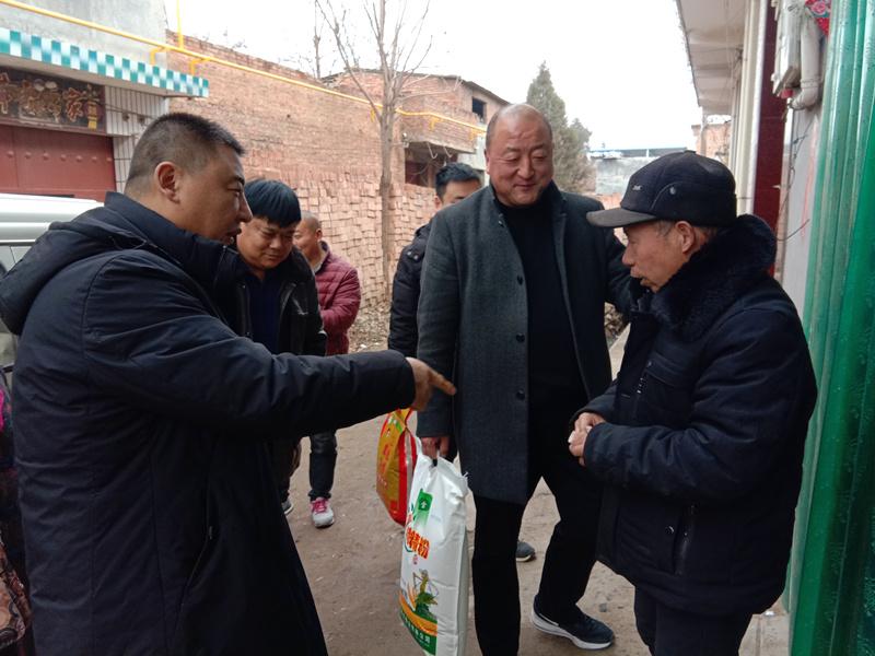 河南汝州洗耳河街道许寨村党支部:连续三年为贫困群众捐款献爱心