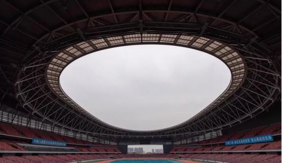 实拍!郑州奥体中心亮灯了, 闪耀绿城夜空!