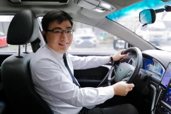 曹操出行司机彭路权:从创业老板到网约车司机 司机也是乘客的倾听者